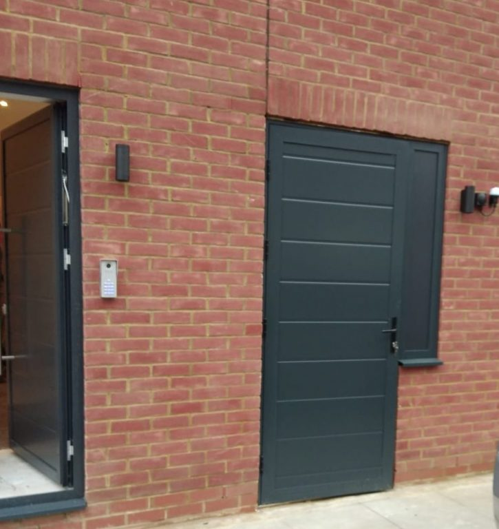 Aluminium entrance doors for townhouse in marelybone